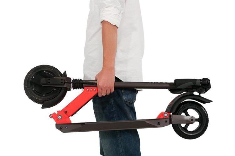 Zoom Styder EX e-Roller leicht zu tragen