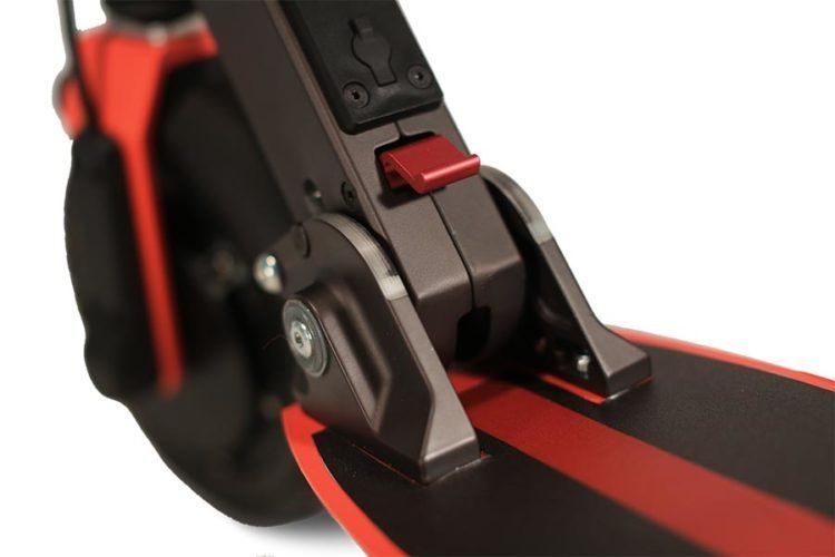 Zoom Stryder EX e-scooter Klapp-Schalter Detail